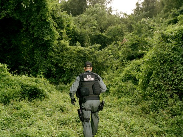 Brian Finke, Untitled (U.S. Marshals, Houston, #010)
