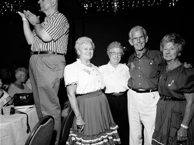 Dostatni, Polka Convention