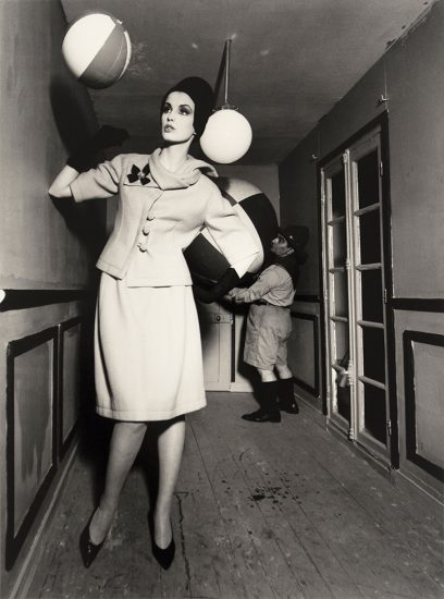 William Klein, Dorothy and Beach Ball and Dwarf Scout, Paris