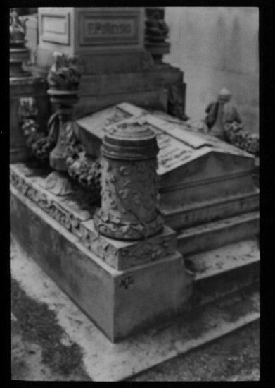 David Armstrong, Tomb at Père Lachaise, Paris